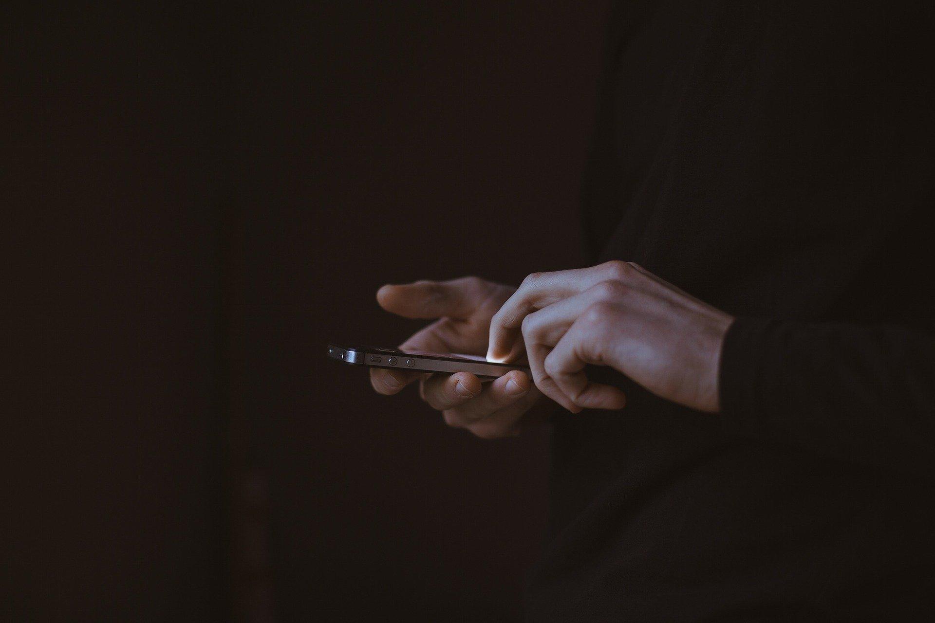 Zakaz używania telefonów komórkowych w szkołach w Arabii Saudyjskiej